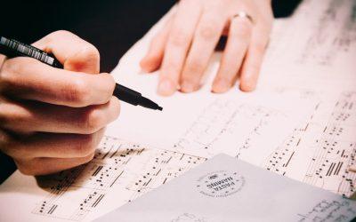 """""""דף, יזע ודמעות"""" – יוצרים משתפים בתרגילי כתיבה"""